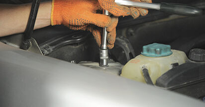 Wie kompliziert ist es, selbst zu reparieren: Stoßdämpfer am Volvo XC90 1 2.4 D3 / D5 2008 ersetzen – Laden Sie sich illustrierte Wegleitungen herunter