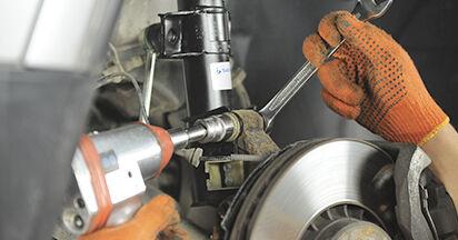 Ersetzen Sie Stoßdämpfer am Volvo XC90 1 2012 2.4 D5 selbst