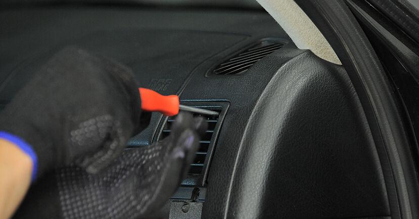 Innenraumfilter Ihres BMW E36 Compact 316i 1.6 1995 selbst Wechsel - Gratis Tutorial