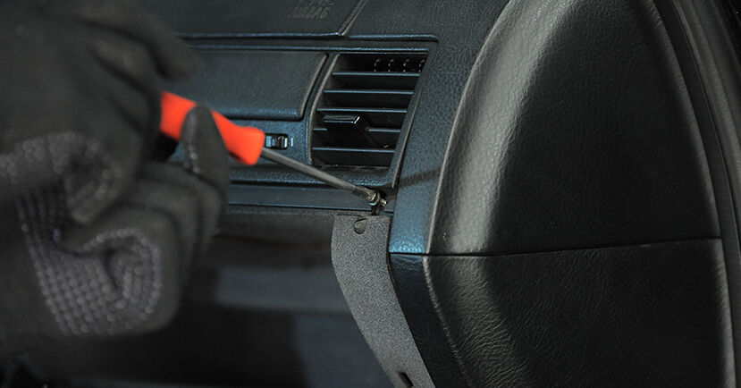 Austauschen Anleitung Innenraumfilter am BMW E36 Compact 1997 316i 1.6 selbst