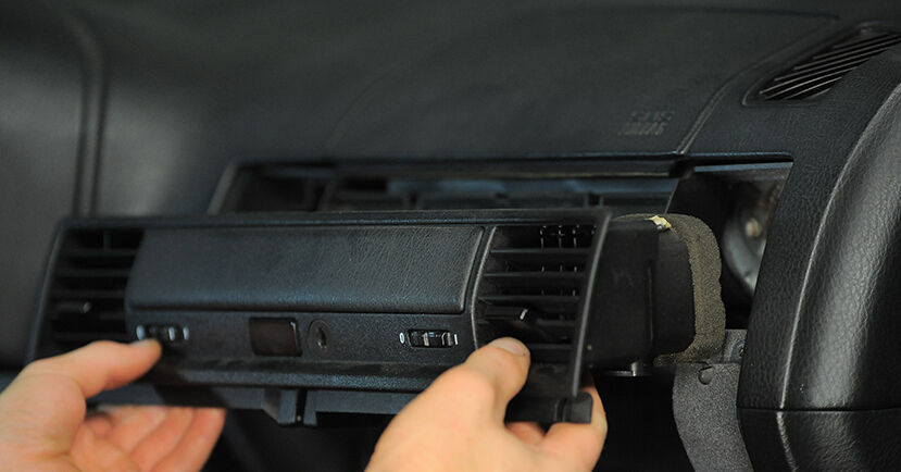 Wie BMW 3 SERIES 318tds 1.7 1998 Innenraumfilter ausbauen - Einfach zu verstehende Anleitungen online