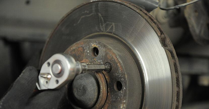 Bremsscheiben am BMW 3 Compact (E36) 318ti 1.8 1999 wechseln – Laden Sie sich PDF-Handbücher und Videoanleitungen herunter