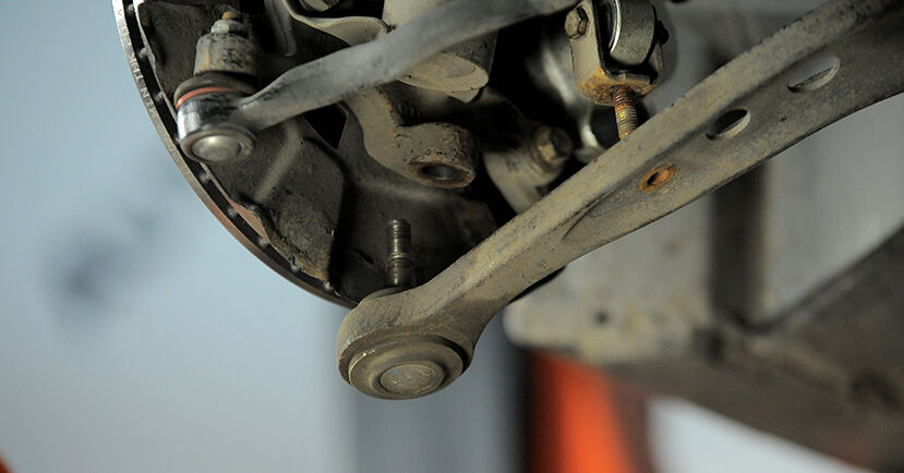 How to remove BMW 3 SERIES 318tds 1.7 1998 Control Arm - online easy-to-follow instructions