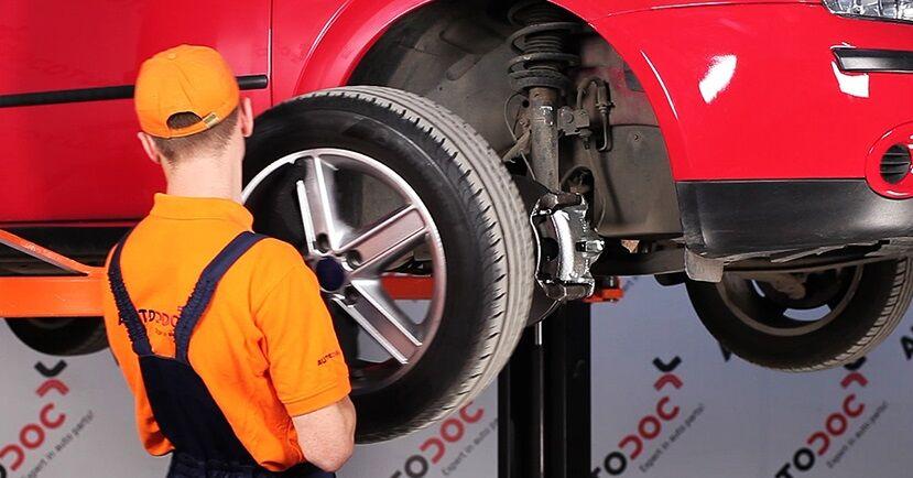 Hvordan man udskifter FORD MONDEO III Saloon (B4Y) 2.0 TDCi 2001 Bremseskiver - trin-for-trin manualer og video vejledninger
