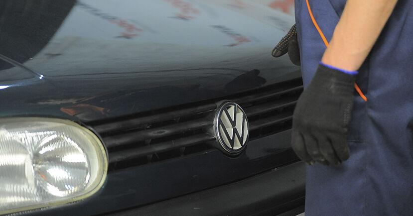 Wie VW GOLF 1.8 1997 Stoßdämpfer ausbauen - Einfach zu verstehende Anleitungen online