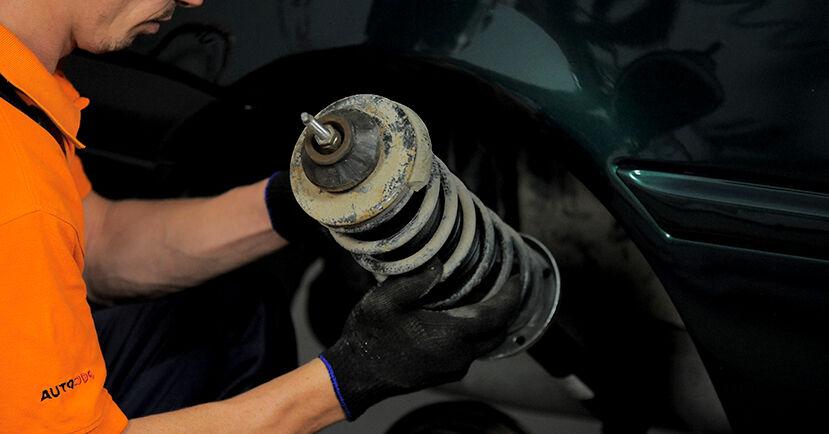 Stoßdämpfer Golf 3 Cabrio 1.6 1995 wechseln: Kostenlose Reparaturhandbücher