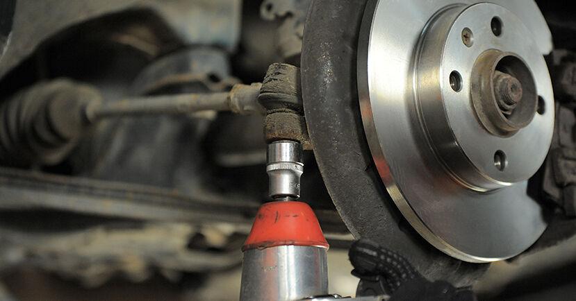 Wechseln Spurstangenkopf am VW GOLF III Cabriolet (1E7) 1.9 TDI 1996 selber