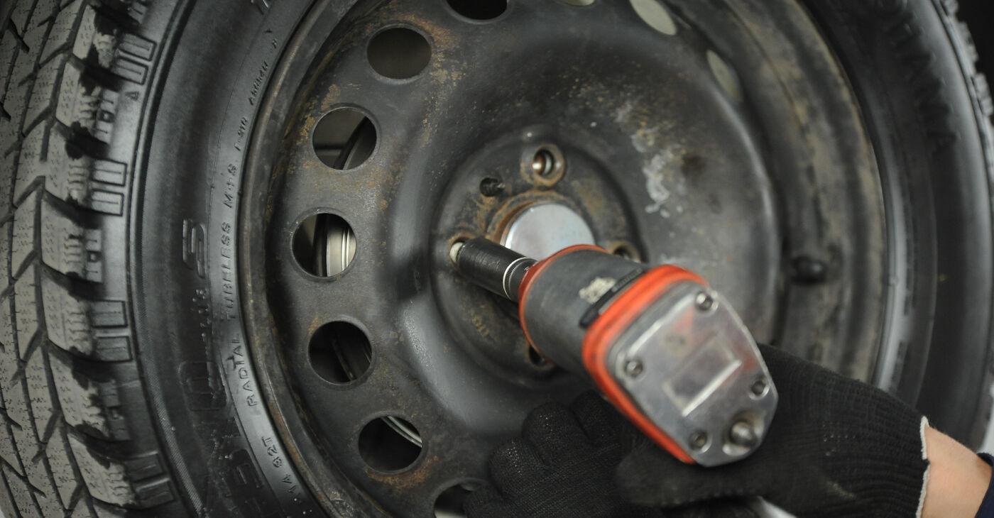 Come sostituire FIAT PUNTO (188) 1.2 60 2000 Ammortizzatori - manuali passo passo e video guide