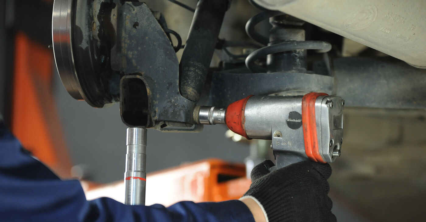 Come rimuovere FIAT PUNTO 1.9 JTD 2003 Ammortizzatori - istruzioni online facili da seguire