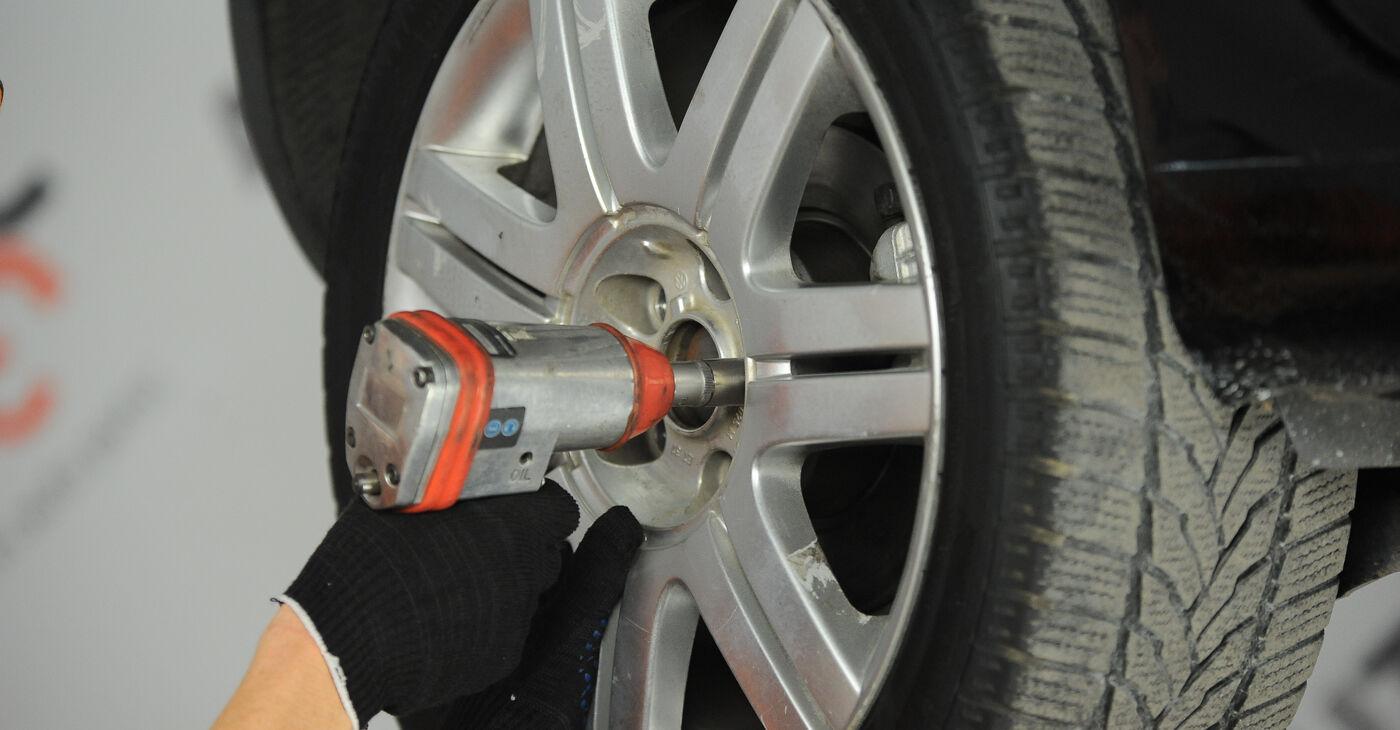 Come sostituire VW GOLF V (1K1) 1.9 TDI 2004 Ammortizzatori - manuali passo passo e video guide