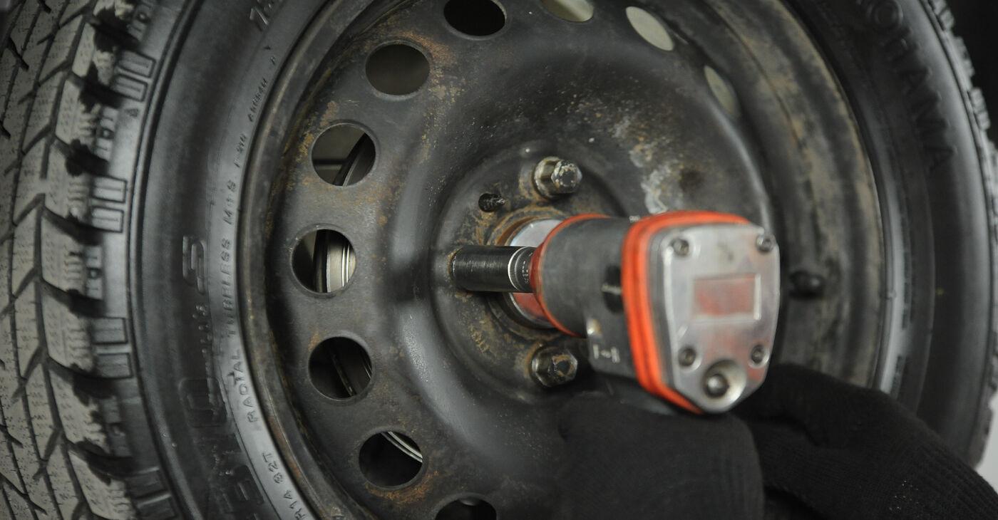 Fiat Punto 188 1.2 16V 80 2001 Riteņa bremžu cilindrs nomaiņa: bezmaksas remonta rokasgrāmatas