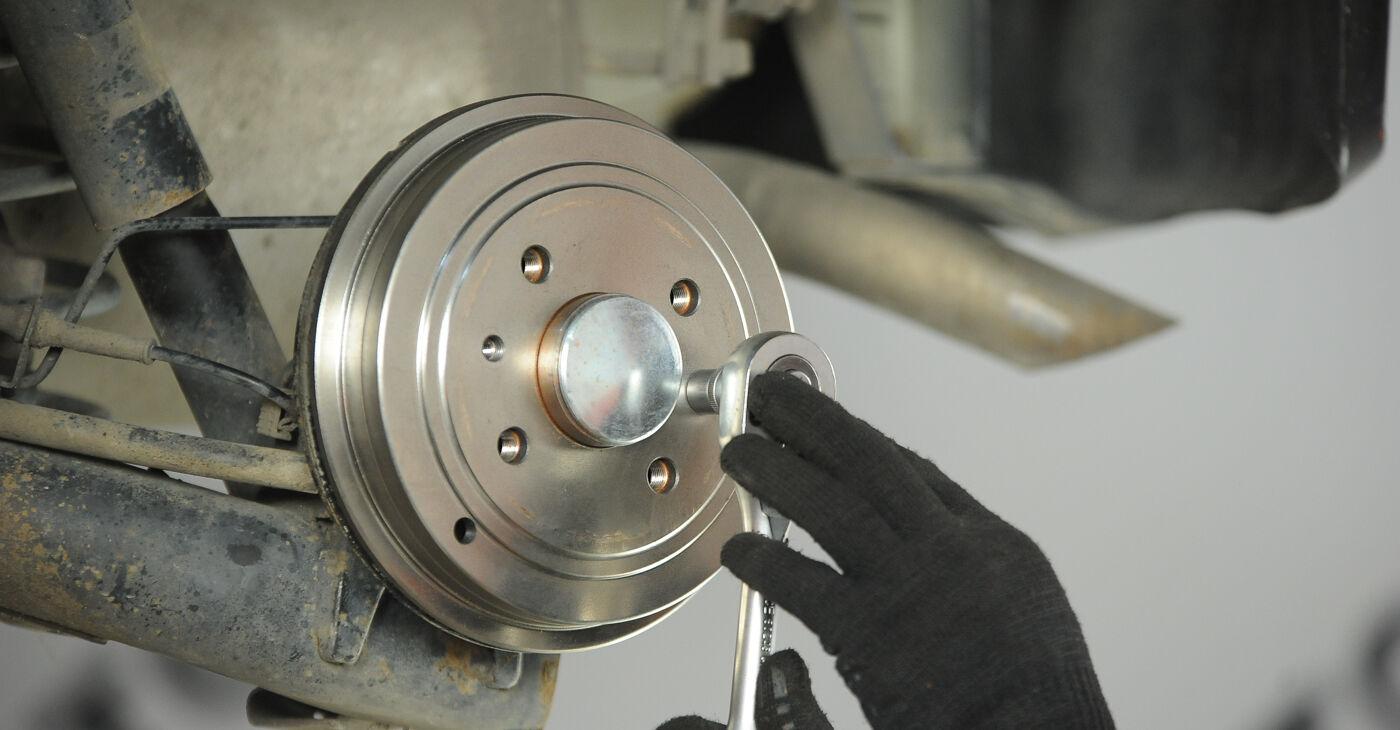 Patstāvīga FIAT PUNTO (188) 1.9 JTD 80 2002 Riteņa bremžu cilindrs nomaiņa