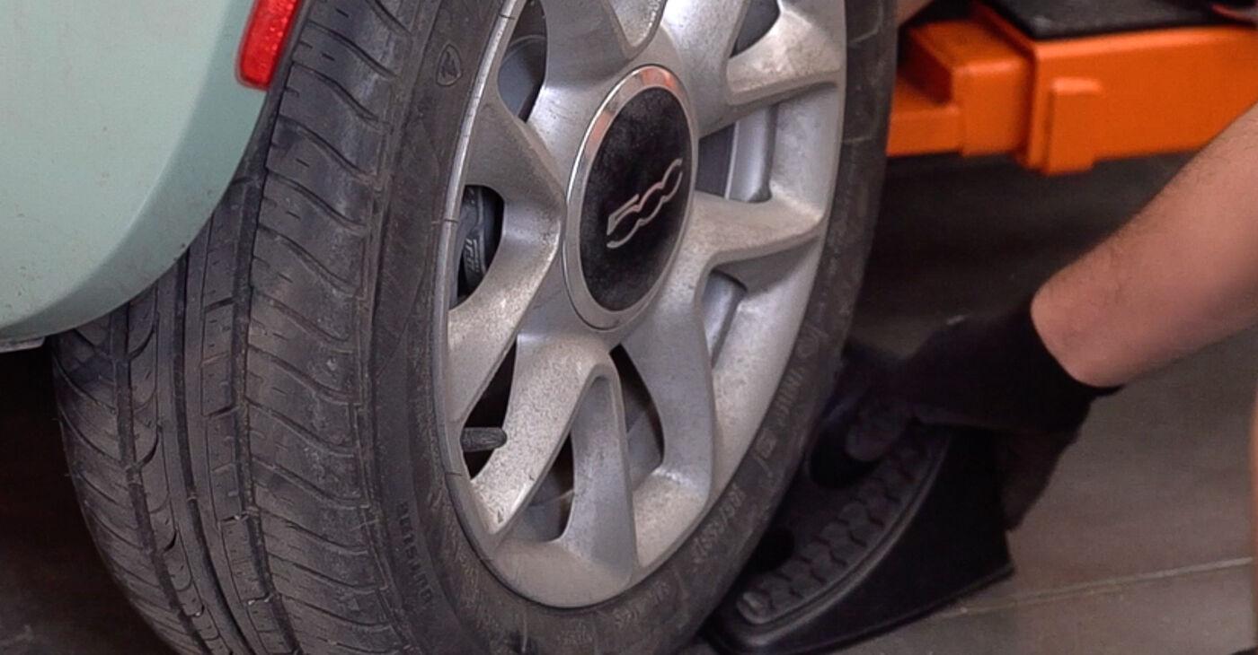 FIAT 500 2016 Спирачни Накладки стъпка по стъпка наръчник за смяна