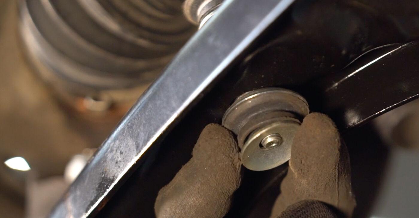 Колко време отнема смяната: Свързваща щанга на Toyota Aygo ab1 2013 - информативен PDF наръчник