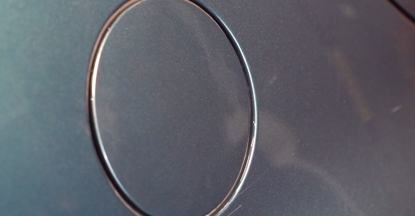 Pakāpeniski ieteikumi patstāvīgai Golf 4 2001 1.8 T Degvielas filtrs nomaiņai