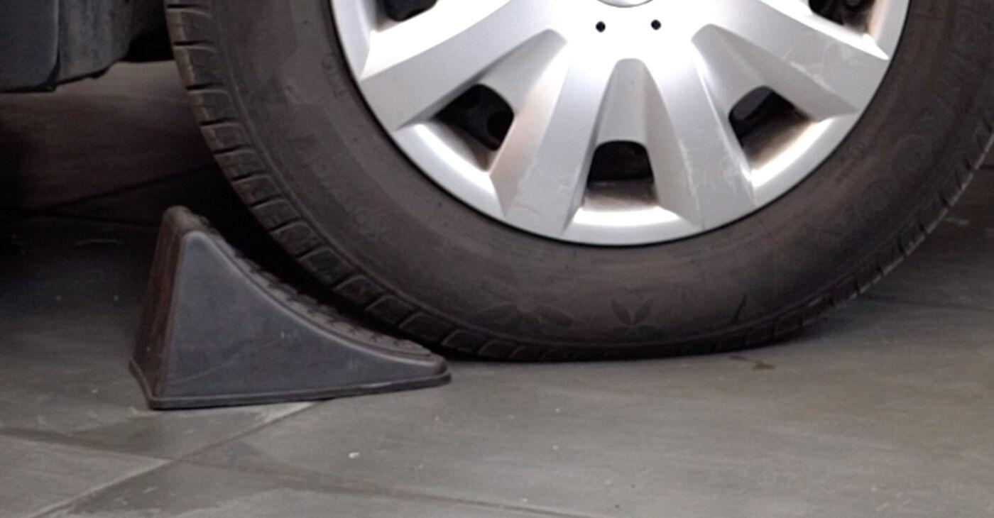 Πώς να αντικαταστήσετε VW PASSAT Variant (3B6) 1.9 TDI 2001 Τακάκια Φρένων - εγχειρίδια βήμα προς βήμα και οδηγοί βίντεο