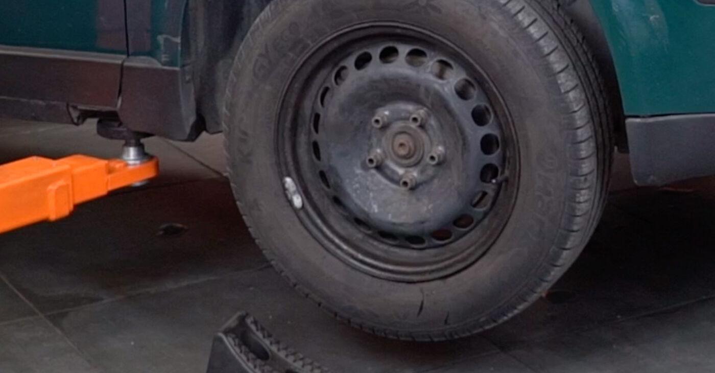Αλλάζοντας Τακάκια Φρένων σε VW PASSAT Variant (3B6) 2.0 2003 μόνοι σας