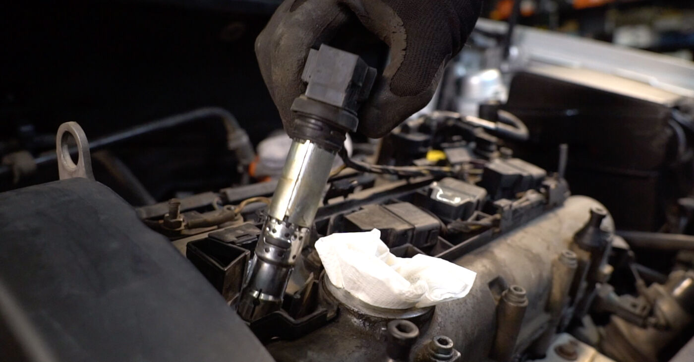 Replacing Spark Plug on Polo 9n 2011 1.4 16V by yourself