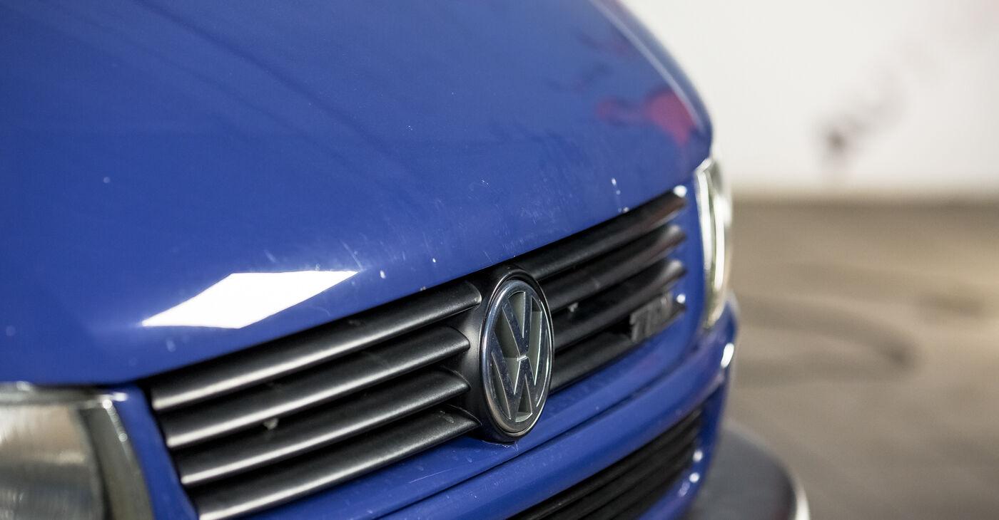 VW TRANSPORTER 1.9 TD Bremžu suports nomaiņa: tiešsaistes ceļveži un video pamācības