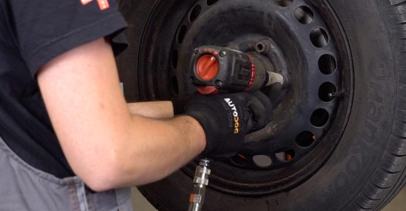 Sostituzione di VW PASSAT 1.9 TDI Ammortizzatori: guide online e tutorial video