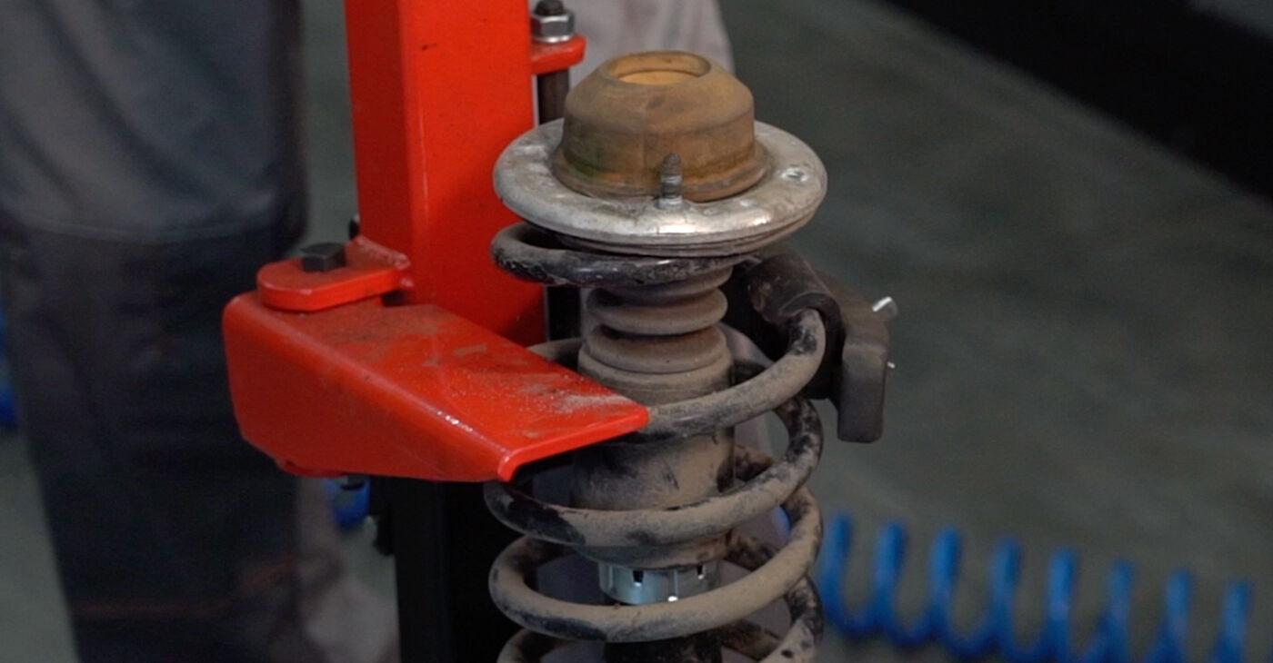 Sostituire Ammortizzatori su VW PASSAT Variant (3B6) 1.9 TDI 4motion 2002 non è più un problema con il nostro tutorial passo-passo