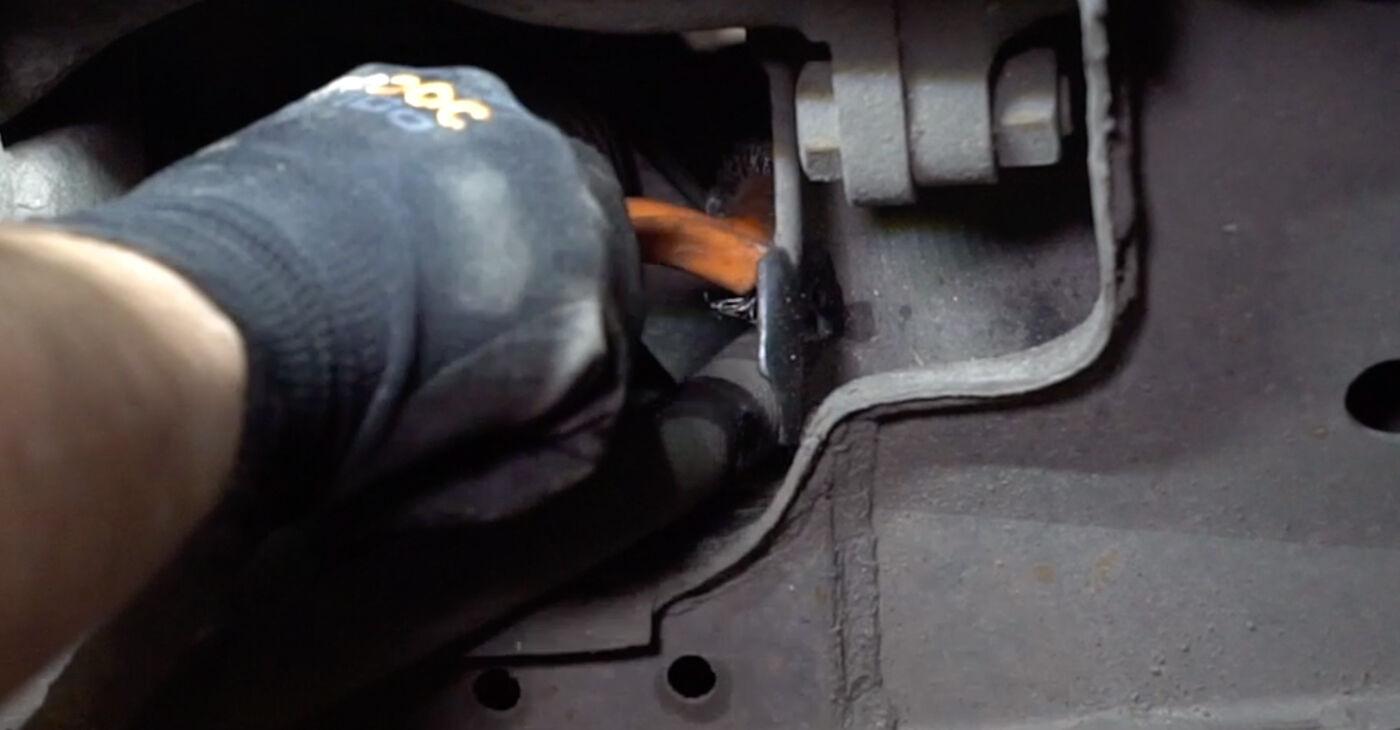 Sostituzione di VW TRANSPORTER 1.9 TD Gommini Barra Stabilizzatrice: guide online e tutorial video