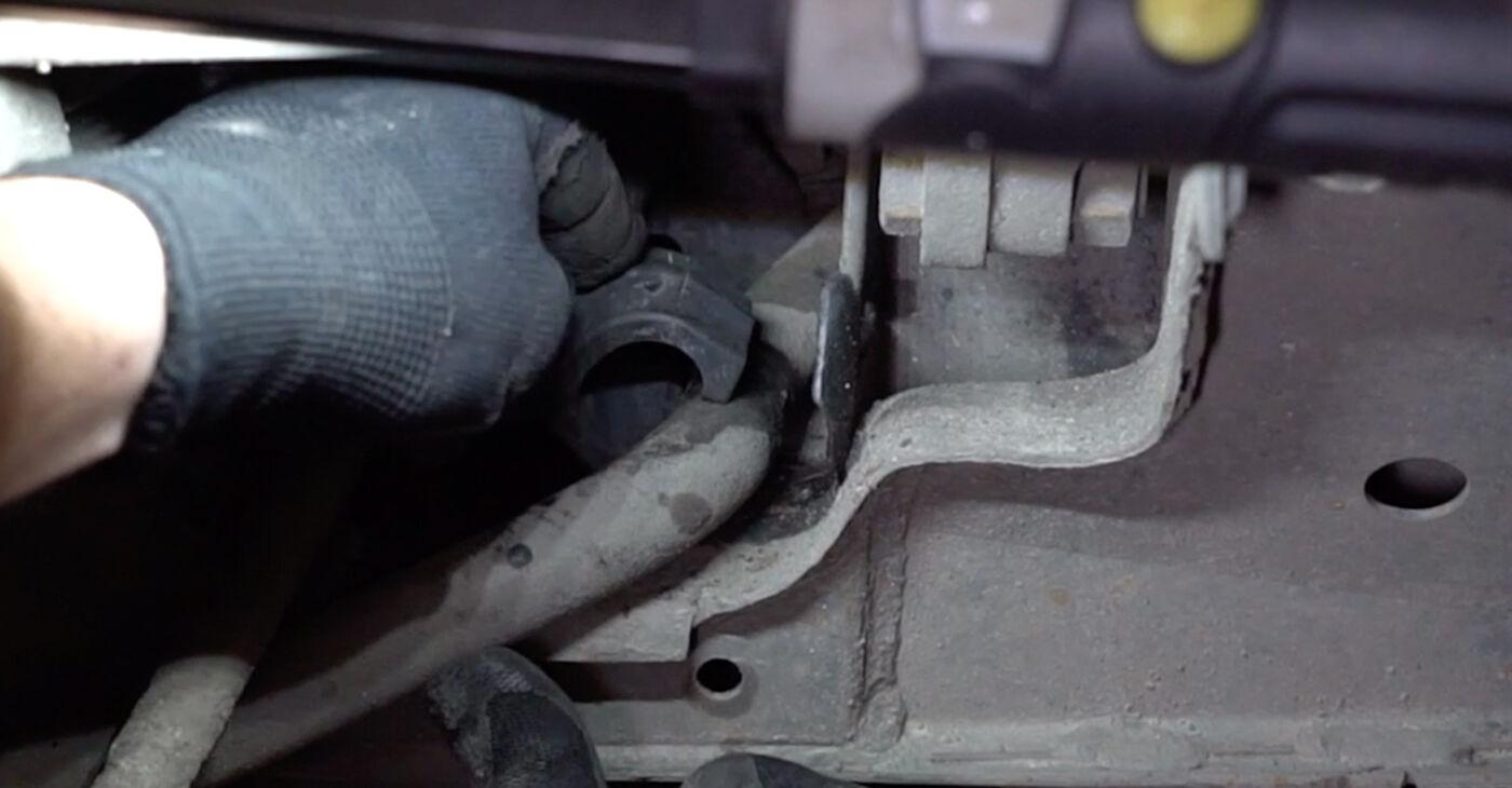 Zamenjajte Gumice Stabilizatorja na VW TRANSPORTER IV Bus (70XB, 70XC, 7DB, 7DW) 2000 2.5 TDI sami