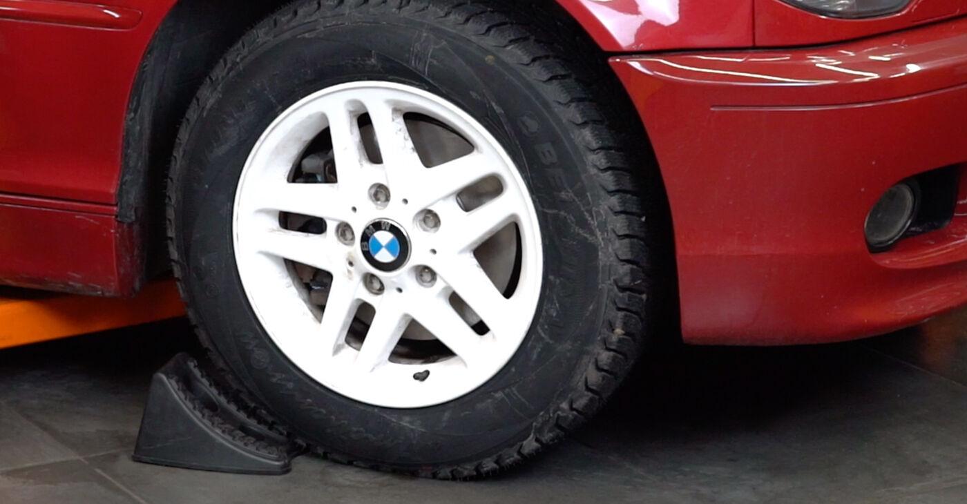 Kako zamenjati Gumice Stabilizatorja na BMW 3 Convertible (E46) 2001 - brezplačni PDF in video priročniki