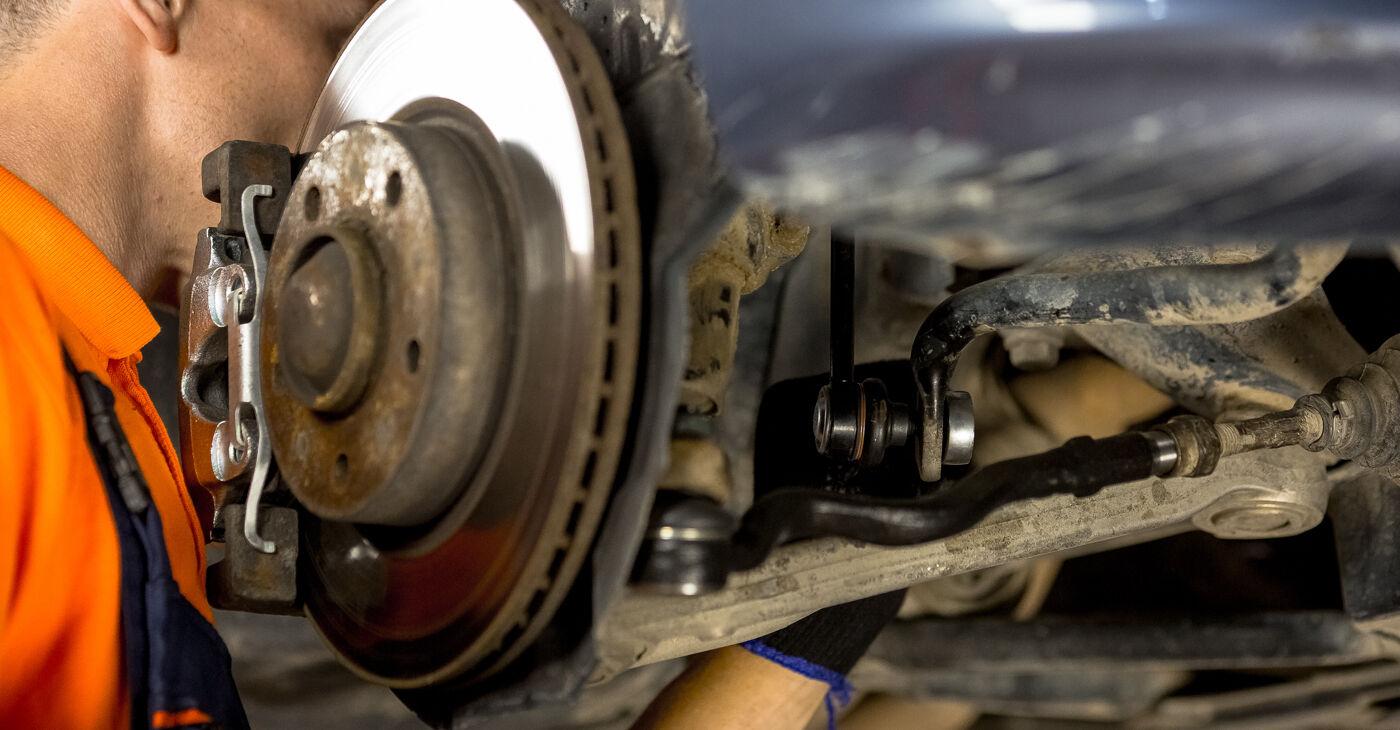 Kiek užtrunka keitimas: BMW E46 1998 Pasukimo trauklė - informatyvi PDF instrukcija