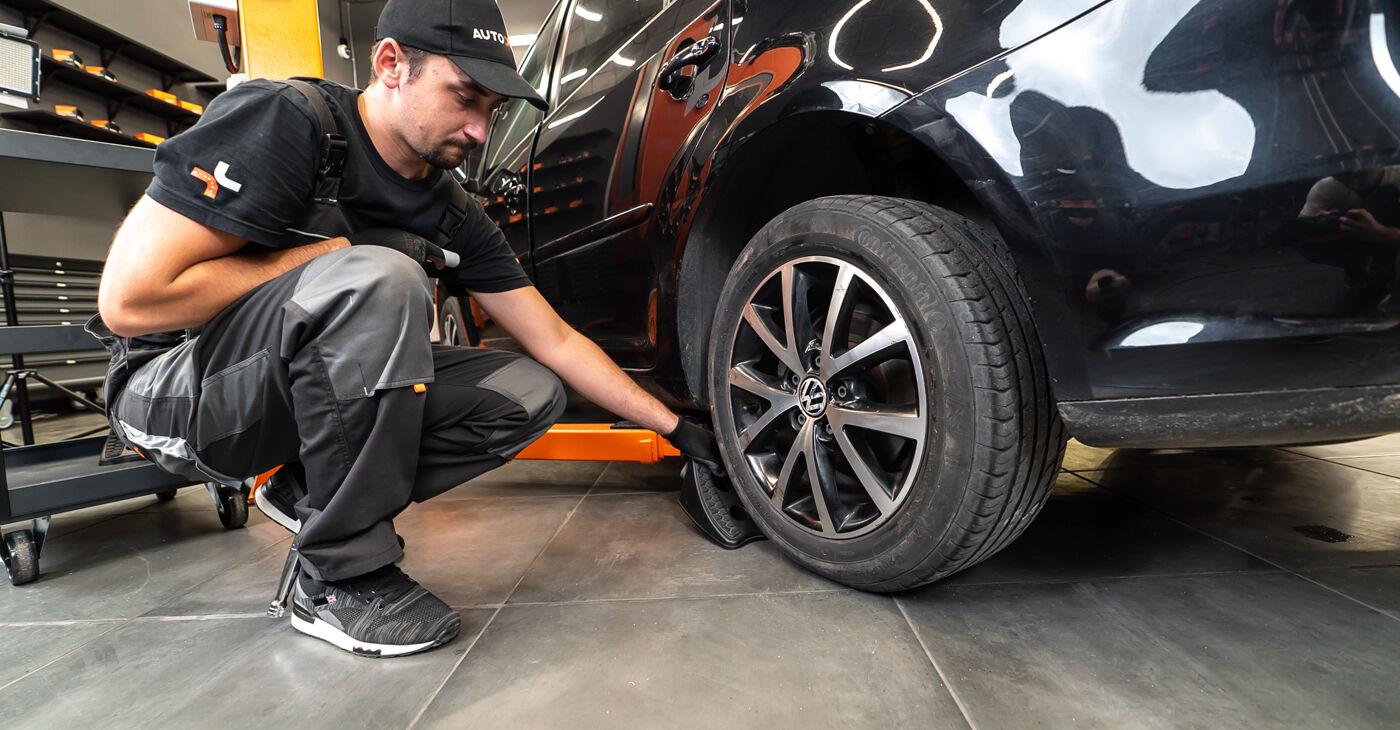 Kā nomainīt VW TOURAN (1T3) 1.6 TDI 2011 Bremžu Kluči - pakāpeniskās rokasgrāmatas un video ceļveži