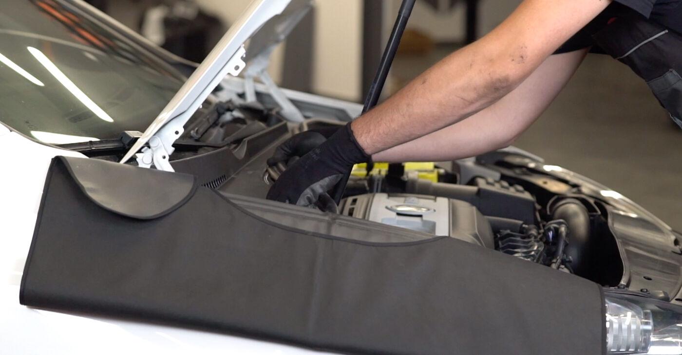 VW GOLF 2009 Amortizatoriaus Atraminis Guolis išsami keitimo instrukcija