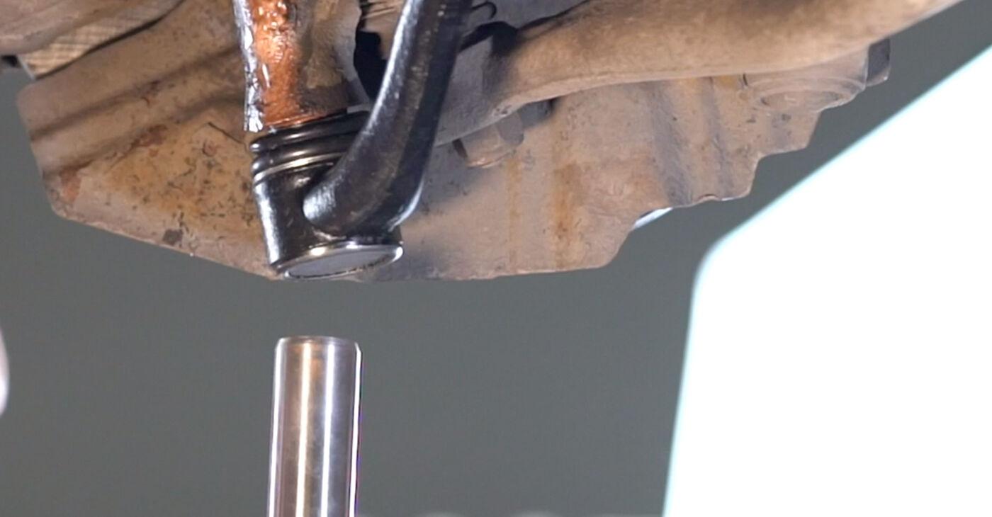 Cik grūti ir veikt Svira nomaiņu BMW E53 3.0 i 2006 - lejupielādējiet ilustrētu ceļvedi