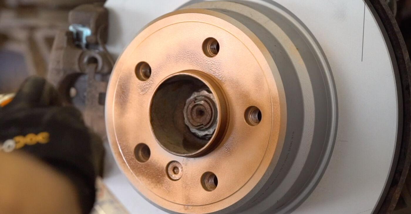 Patstāvīga BMW X5 (E53) 4.6 is 2003 Bremžu diski nomaiņa