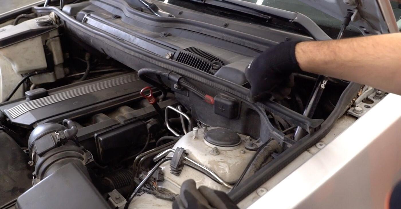 Patstāvīga BMW E53 2002 3.0 d Bremžu diski nomaiņa