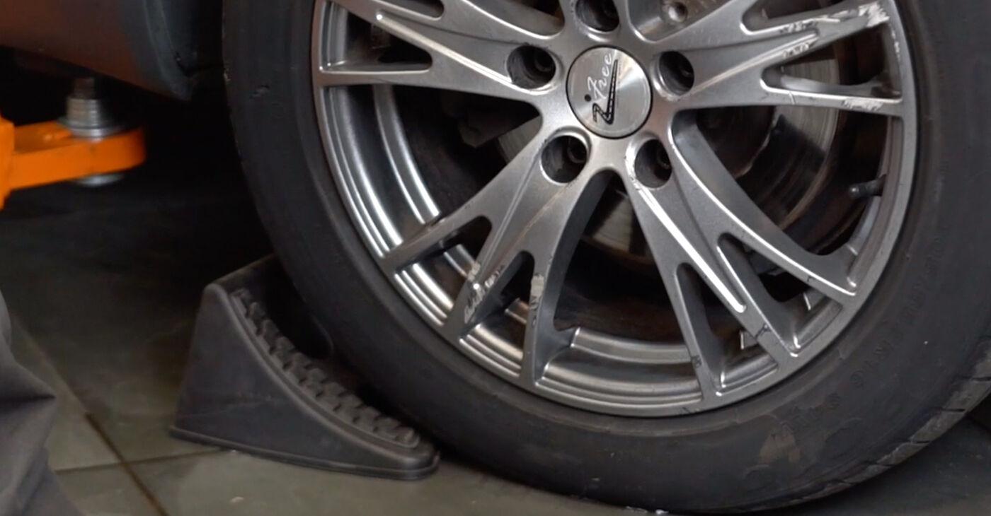 Hogyan Audi A4 B6 Avant 2000 Vezetőkar fej cseréje - ingyenes PDF és videó-útmutatók