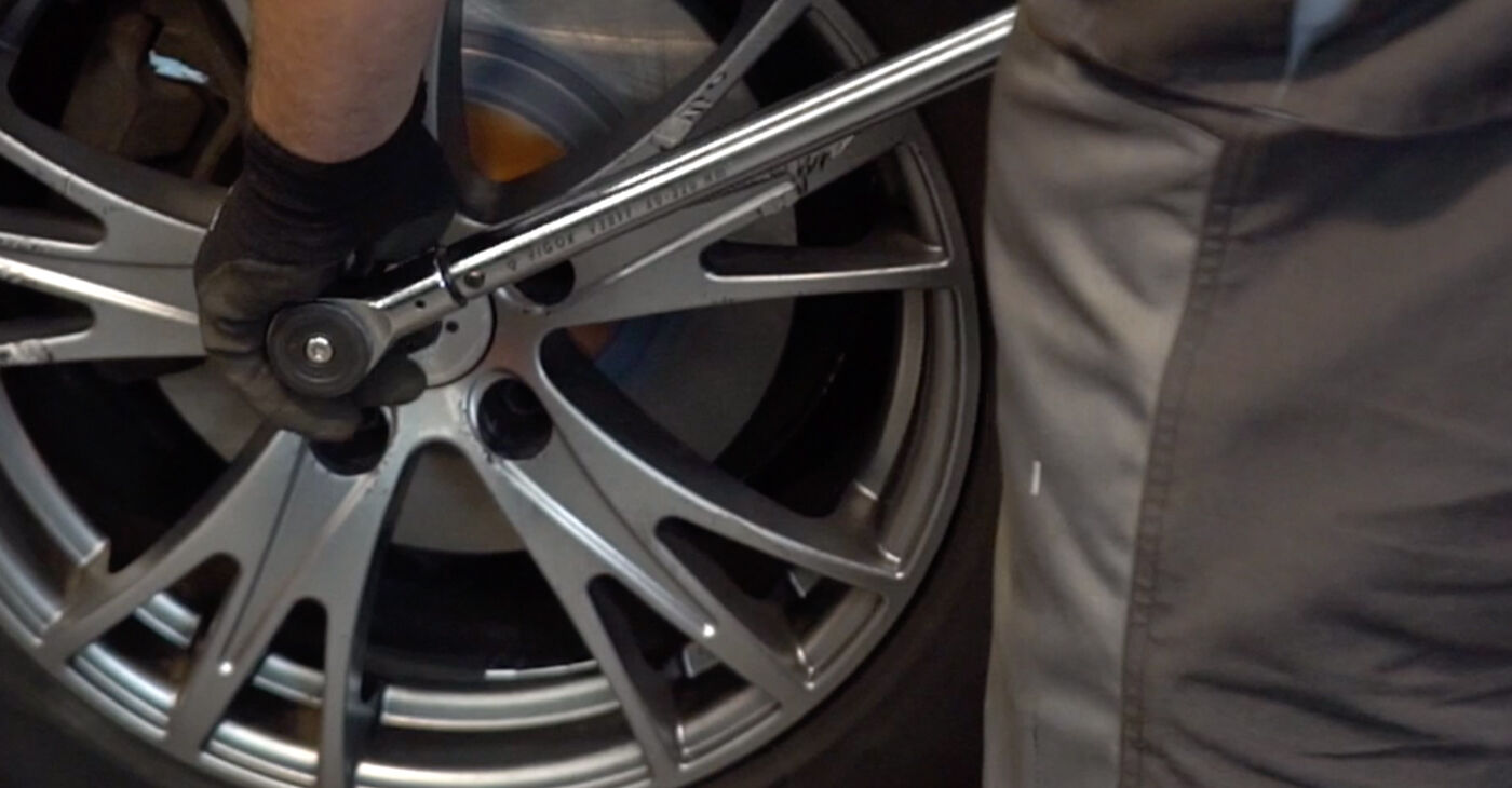Audi A4 B6 Avant 2003 2.5 TDI Vezetőkar fej csináld magad csere - javaslatok lépésről lépésre