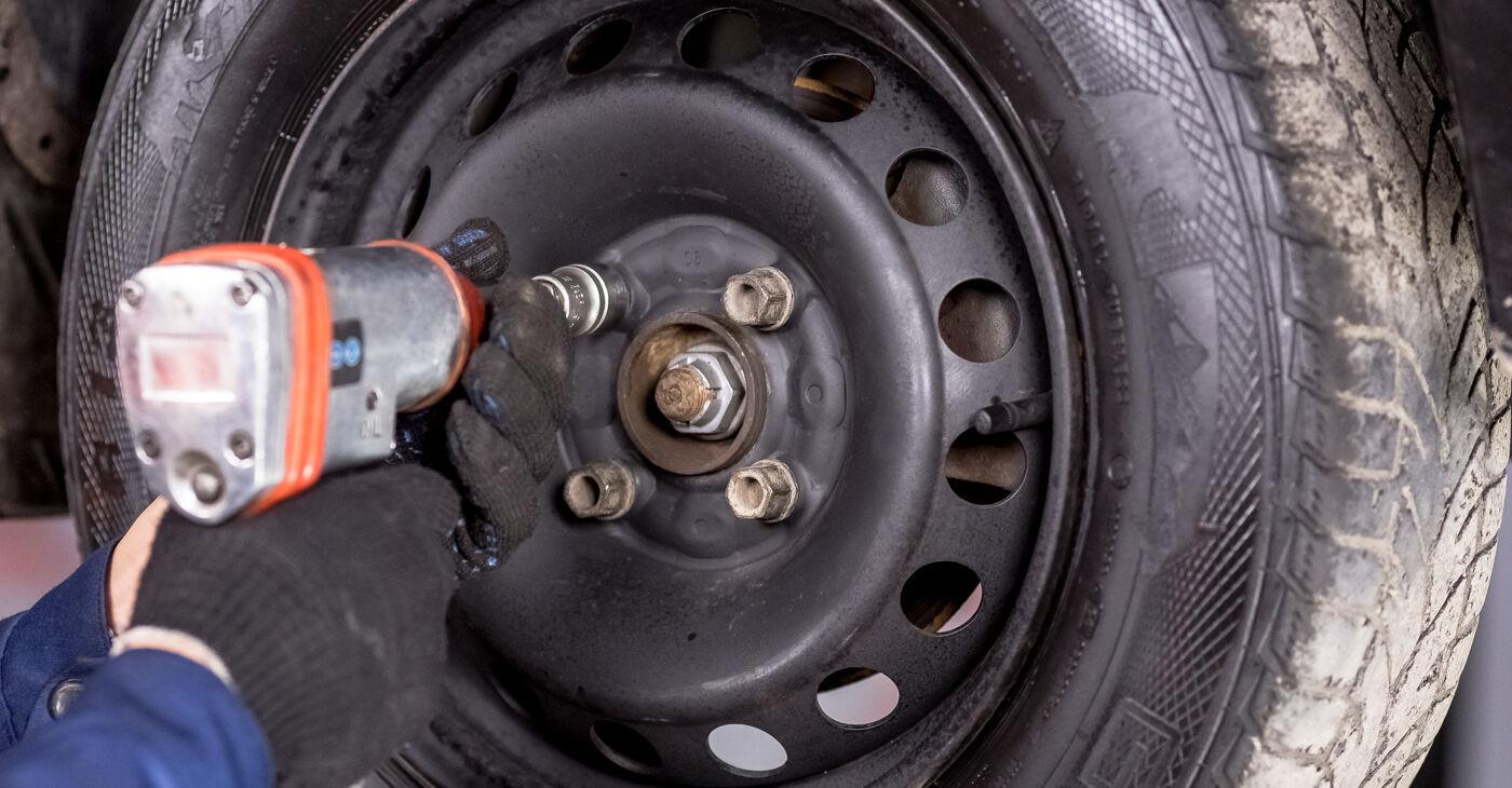 Ar sudėtinga pasidaryti pačiam: Renault Clio 2 1.6 16V 2004 Vikšro Valdymo Svirtis keitimas - atsisiųskite iliustruotą instrukciją