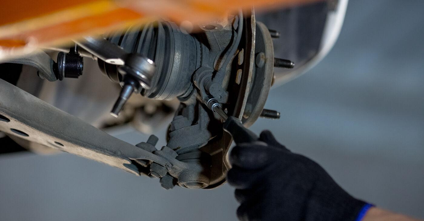 Priporočila korakov za DIY zamenjavo Toyota Rav4 II 2001 2.4 4WD Kolesni lezaj