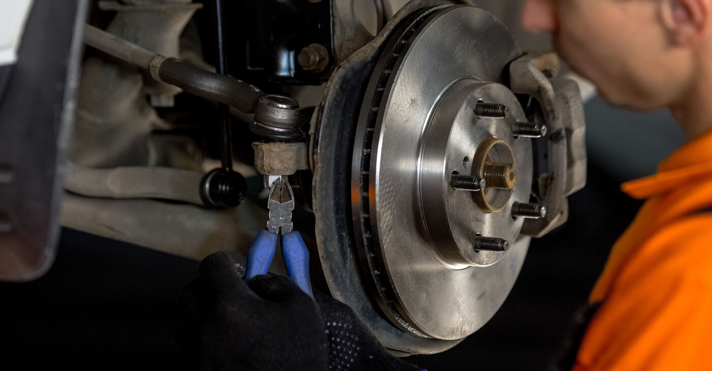 Radlager beim TOYOTA RAV4 1.8 4WD 2001 selber erneuern - DIY-Manual