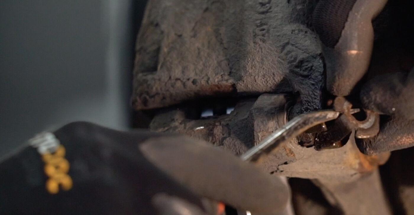 αλλαγη Τακάκια Φρένων RENAULT KANGOO D 65 1.9: online οδηγοί και βίντεο tutorial