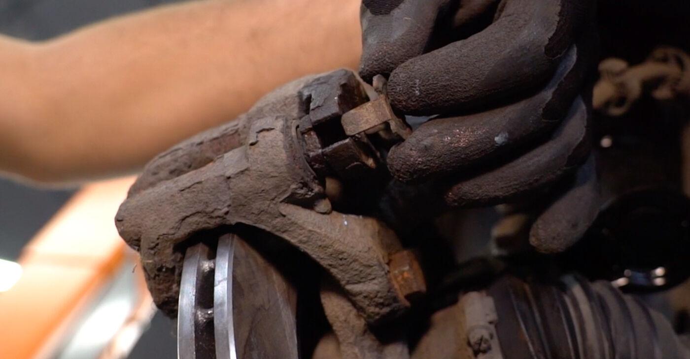 Renault Kangoo kc01 1.4 1999 Τακάκια Φρένων αντικατάσταση: δωρεάν εγχειρίδια συνεργείου