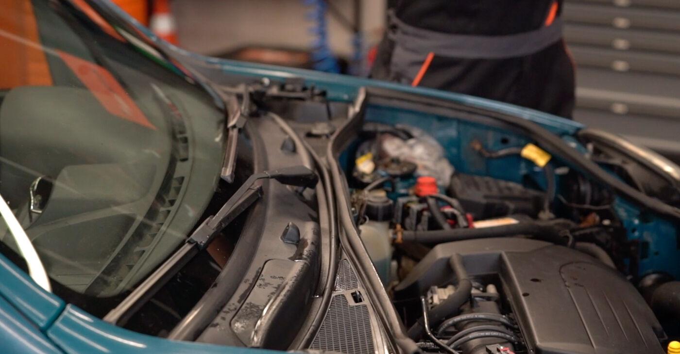 Kā nomainīt Amortizatoru Atbalsta Gultņi Renault Kangoo kc01 1997 - bezmaksas PDF un video rokasgrāmatas