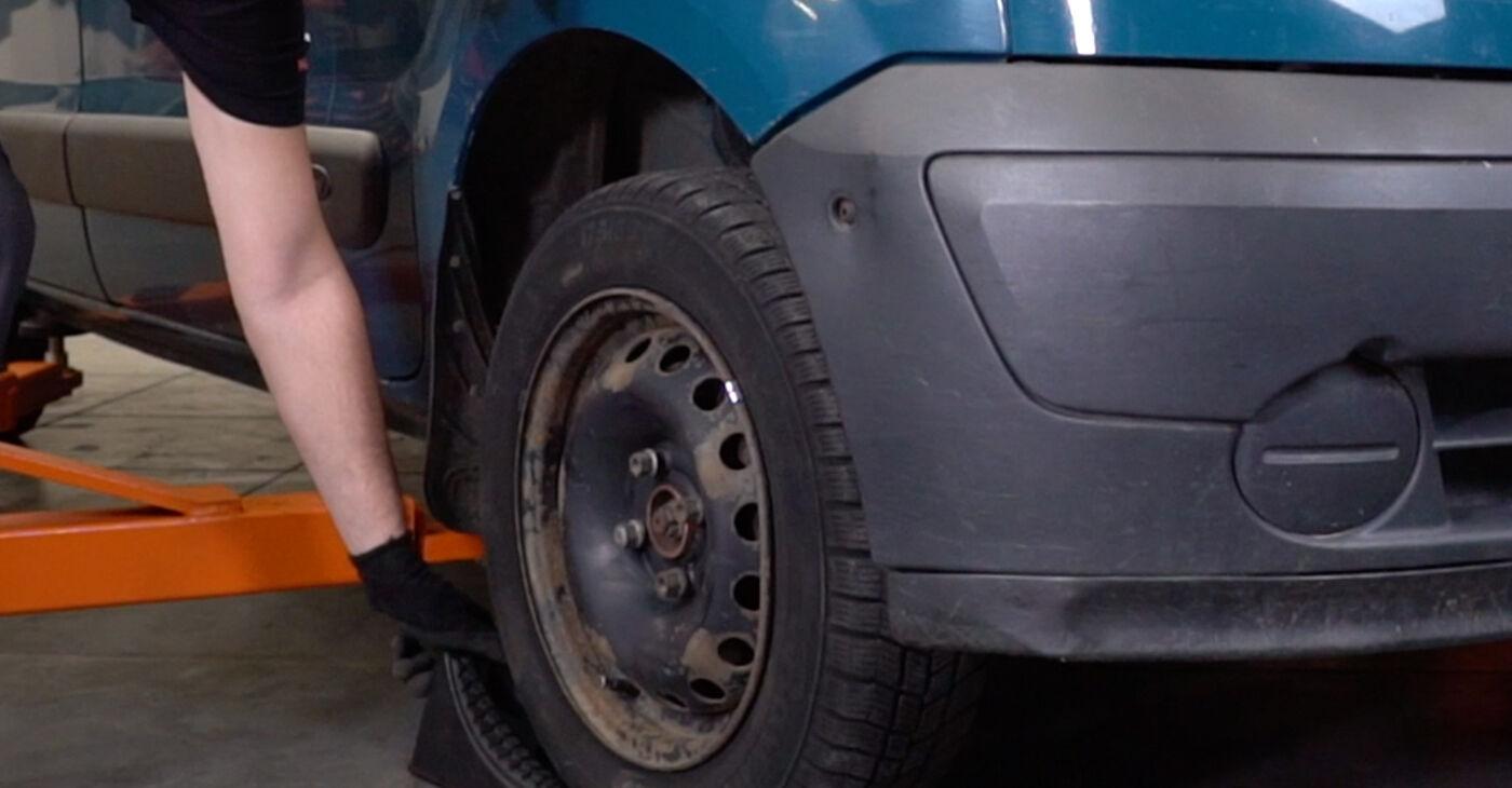 Kā nomainīt Savienotājstienis Renault Kangoo kc01 1997 - bezmaksas PDF un video rokasgrāmatas
