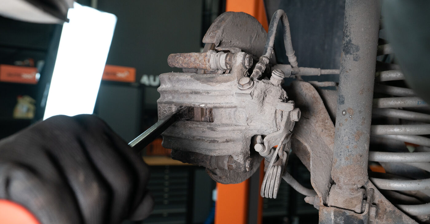 How hard is it to do yourself: Brake Pads replacement on Audi A3 8l1 1.9 TDI 2002 - download illustrated guide