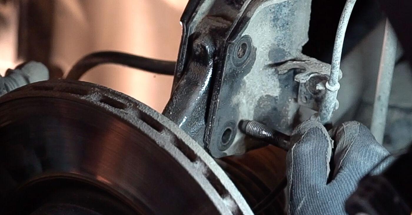 Kako zamenjati FIAT BRAVO II (198) 1.9 D Multijet 2007 Vzmetenje - priročniki s koraki in video vodniki