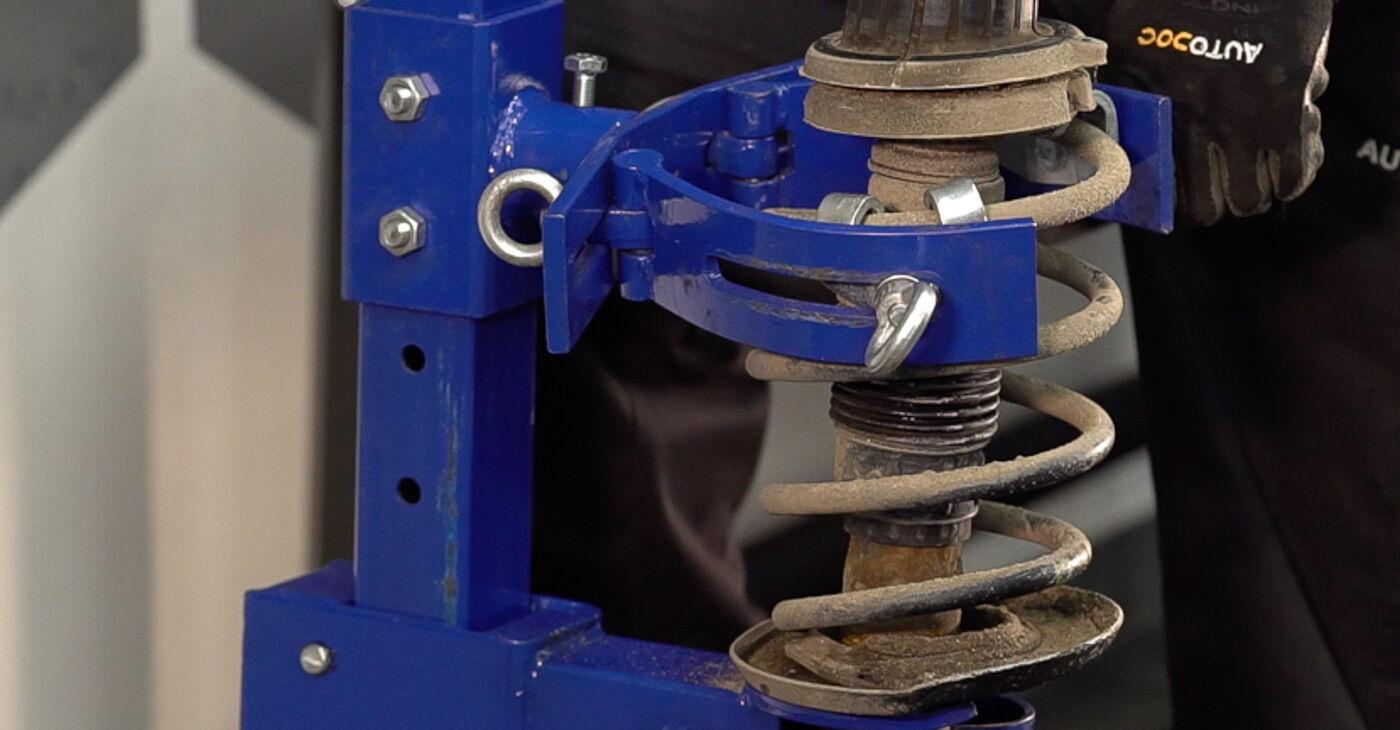 Kako težko to naredite sami: Vzmetenje zamenjava na FIAT BRAVO II (198) 1.9 D Multijet 2012 - prenesite slikovni vodnik