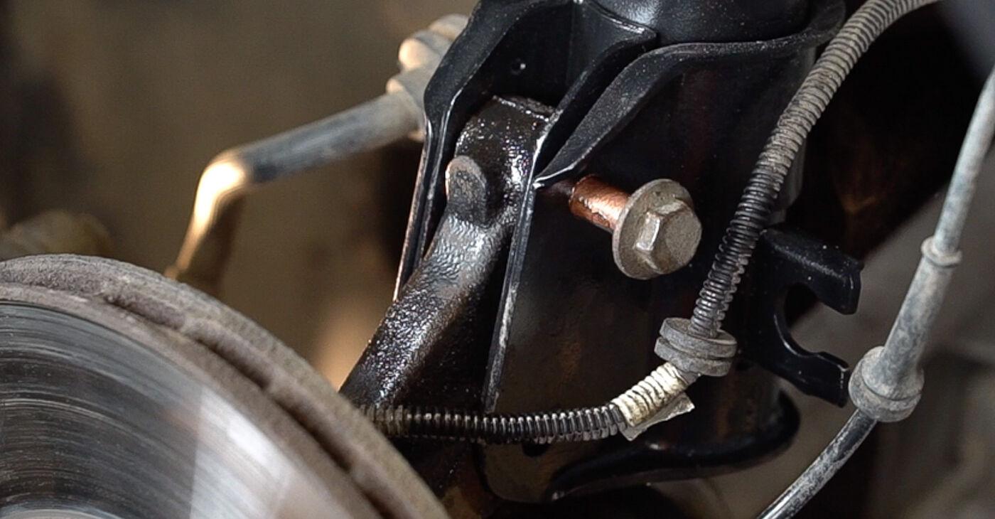 Mudar Molas no FIAT BRAVO II (198) 2014 não será um problema se você seguir este guia ilustrado passo a passo