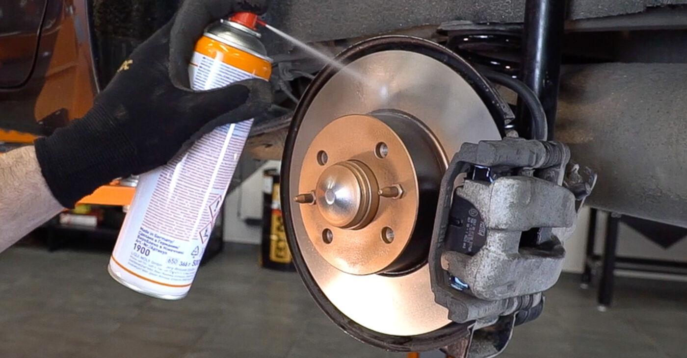 Como substituir FIAT BRAVO II (198) 1.9 D Multijet 2007 Pastilhas De Travão - manuais e guias de vídeo passo a passo