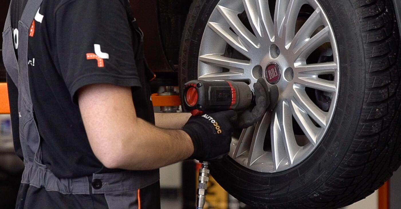 Como remover FIAT BRAVA 1.4 LPG 2010 Pastilhas De Travão - instruções online fáceis de seguir