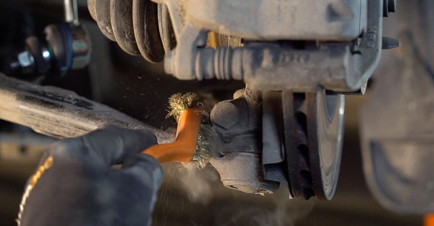 Devi sapere come rinnovare Braccio Oscillante su FIAT BRAVA 2013? Questo manuale d'officina gratuito ti aiuterà a farlo da solo